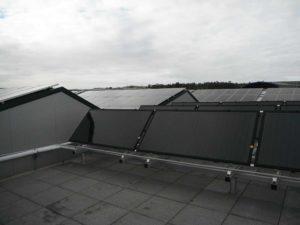 installation chauffage solaire toiture entreprise 300x225 - Galerie montage installation panneaux solaires photovoltaïques - Galerie montage installation panneaux solaires photovoltaïques