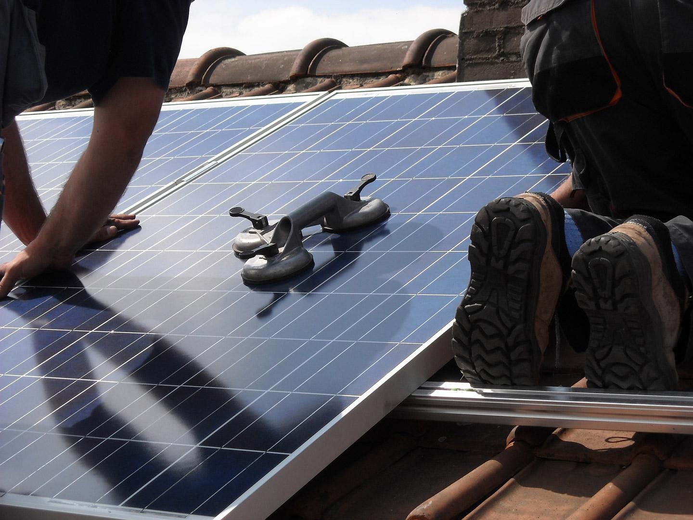 installation panneau solaire toiture - Génération solaire services - Génération solaire services