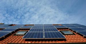 solar system panneau toiture 300x154 - Galerie montage installation panneaux solaires photovoltaïques - Galerie montage installation panneaux solaires photovoltaïques