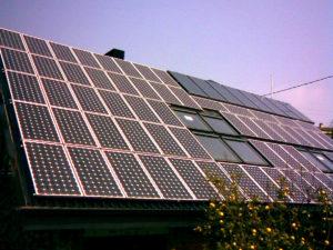 toiture montage photovoltaique 300x225 - Galerie montage installation panneaux solaires photovoltaïques - Galerie montage installation panneaux solaires photovoltaïques